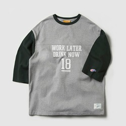 DRINK NOW FOOTBALL TEE (GREY)_CMOEURM32MC4